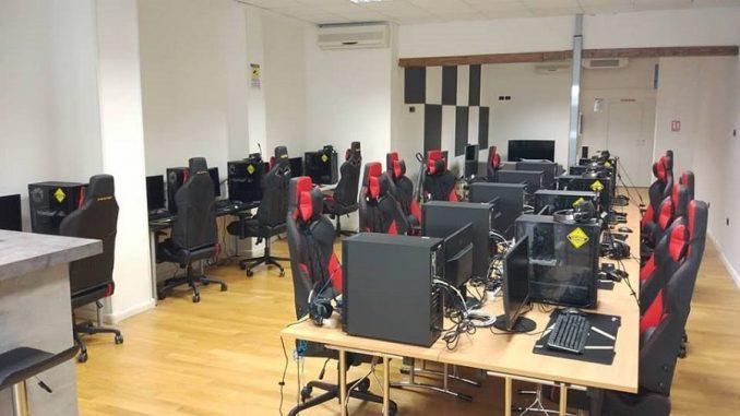 High Score Gaming Center Foto 2